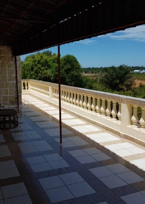 Vend villa avec meubles sur mahajanga