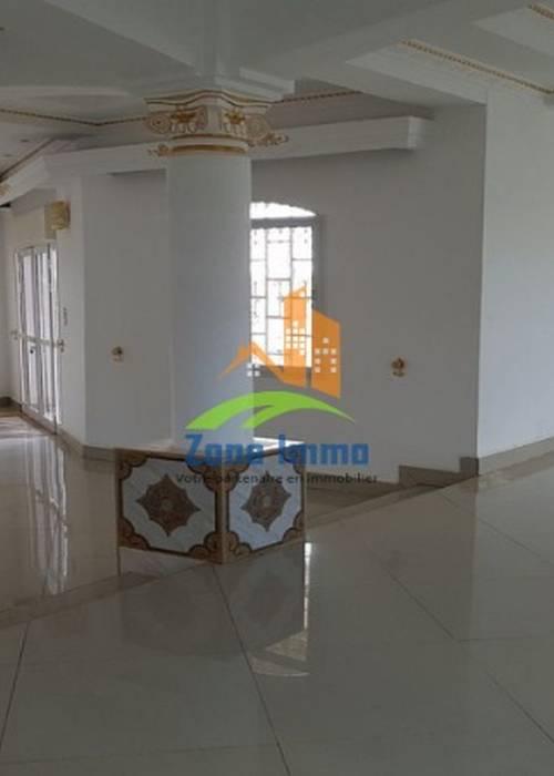 Villa à étage F6 à Mandrimena Andoharanofotsy, Zone Immo-16-0367.