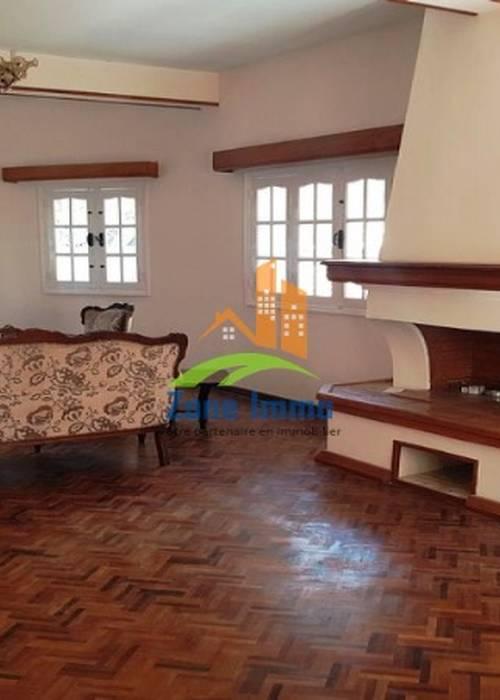 Villa à 02 étages F8 à Androhibe, Zone Immo-20-0128.