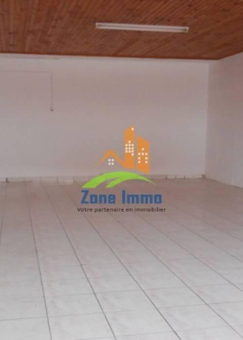 Locaux de 50m² et de 70m² à Andraharo, Zone Immo-16-0100.