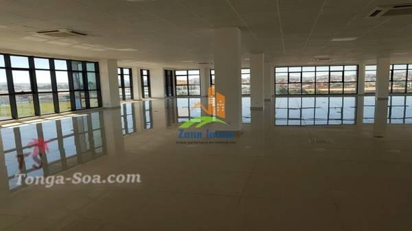 Bureaux au choix de 180m² à 457m² à Tanjombato, Zone Immo-21-0076.