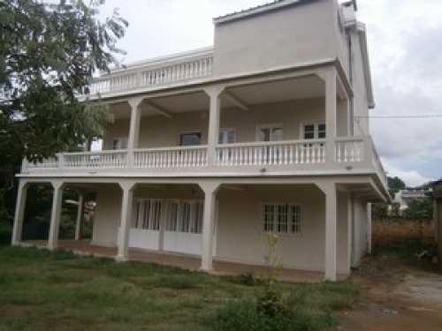Loue grand T3 tout confort meublé 85m² Antananarivo
